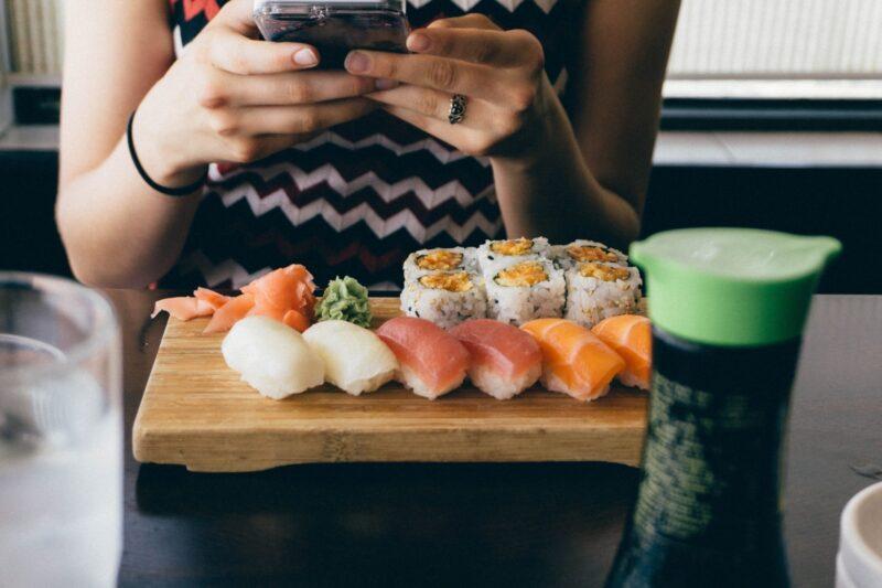 株価 くら 寿司